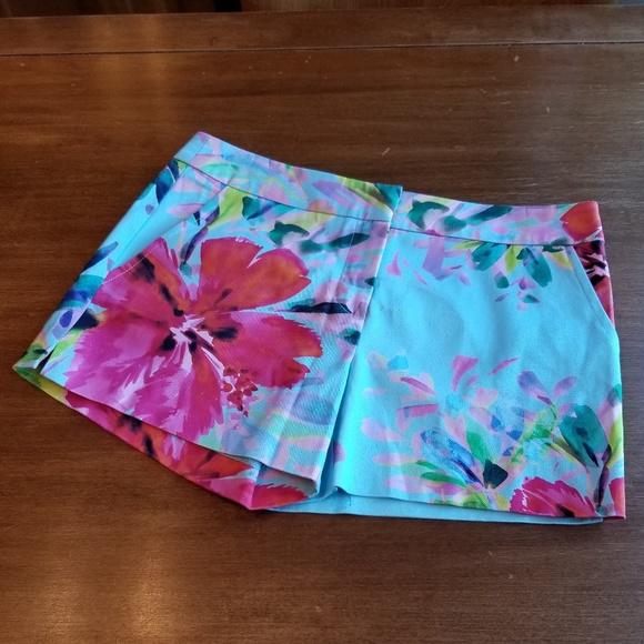 94fa2cc02a19d ... floral stretch cotton shorts. M_5b566386aa877000d38b0407